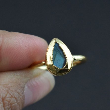 BEAUTIFUL DESIGN CHRYSOPRASE HYDRO GEMSTONE ANTIQUE FINISH STATEMENT RING